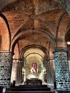Innenraum der Heilig Blut Basilika in Brügge