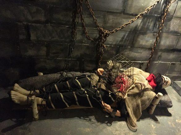 Folterszene im Foltermuseum Oude Steen in Brügge