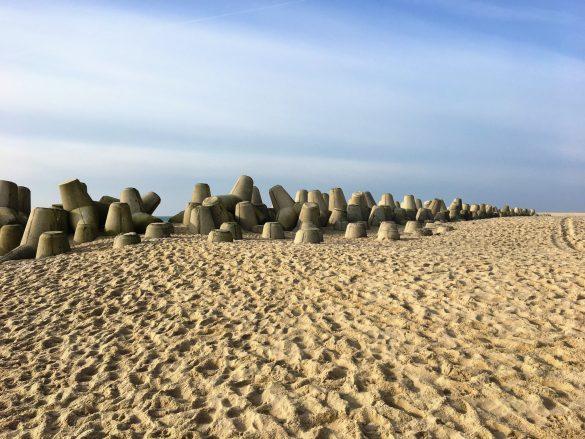 Surreal anmutende Landschaftschutzmaßnahmen an der Hörnumer Odde auf Sylt