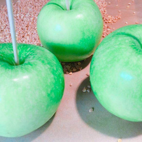 Granny Smith Äpfel als Basis für die Roten Liebesäpfel