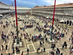 Der Markusplatz in Venedig von der Aussichtsplattform der Basilica di San Marco