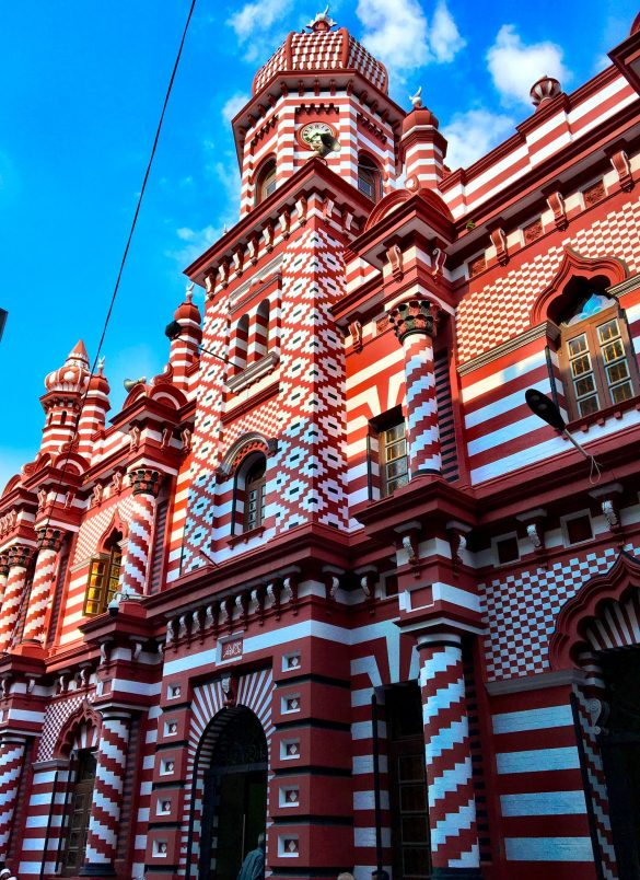Red Mosque Jami-Ul-Alfar in Colombo