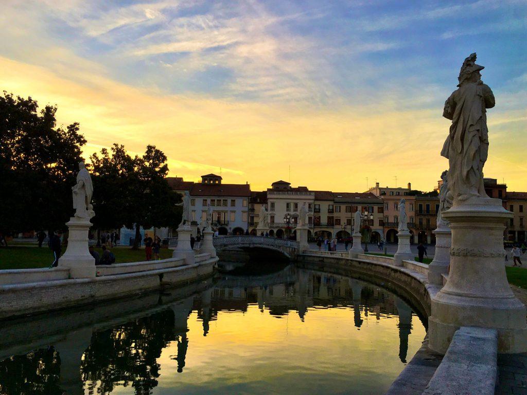Sonnenuntergang am Prato della Valle