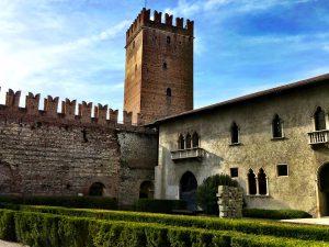 Im Innenhof Castelvecchio