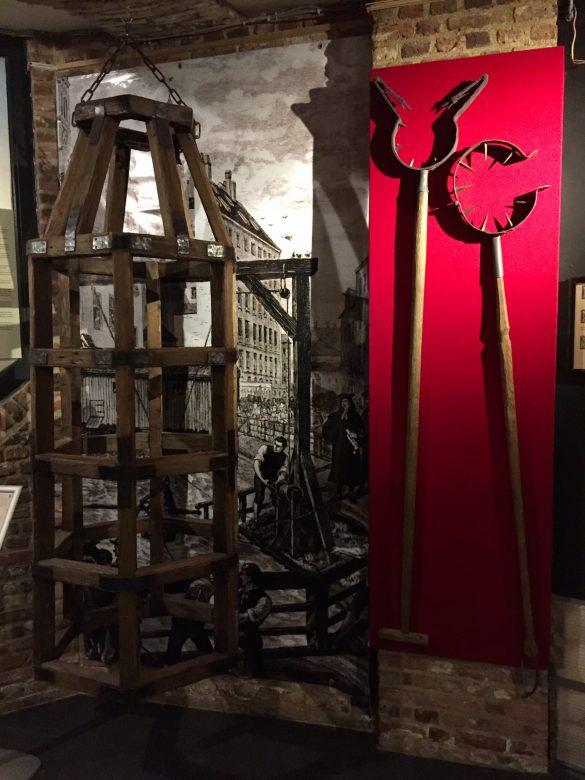 Folterwerkzeuge im Foltermuseum Oude Steen in Brügge