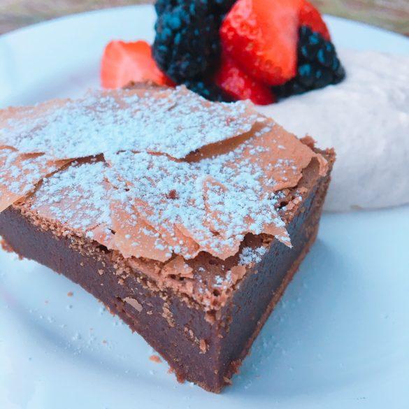 Schokoladiger Brownie in Nahaufnahme