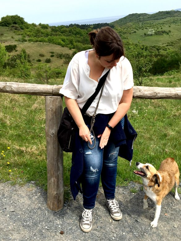 Gourmaid mit Hund auf Hiddensee
