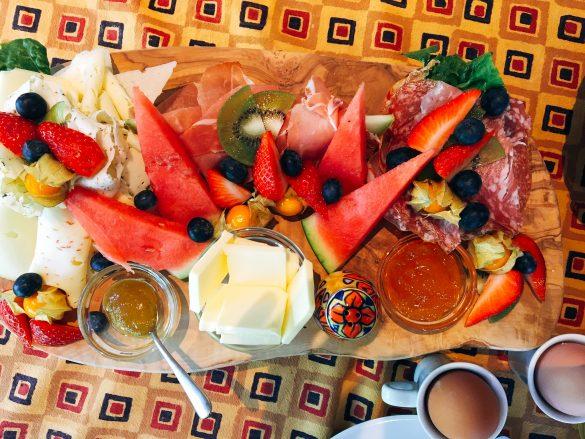 Frühstück für 2 Personen im Kolonialstübchen