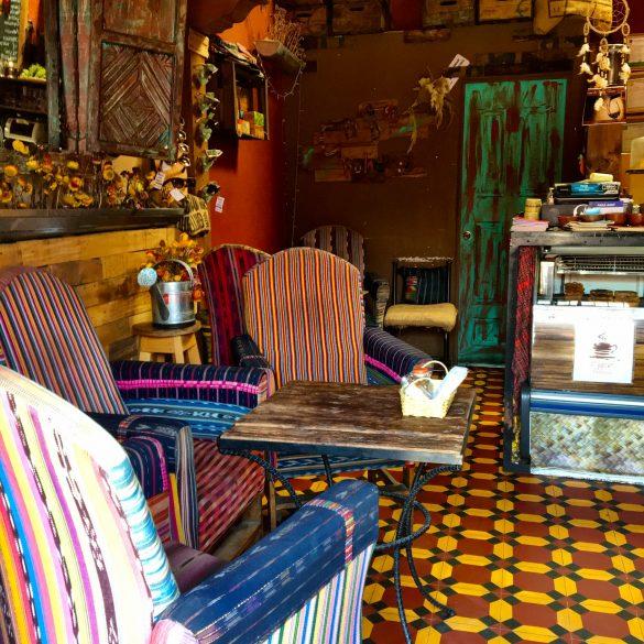 Einblick ins Café Boheme in Antigua