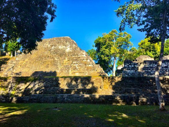 Auf den Spuren der Maya in Yaxha und Tikal