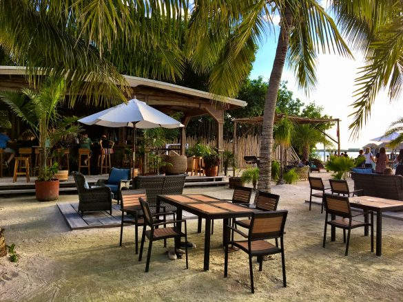 Bar des Iguana Reef Inn auf Caye Caulker