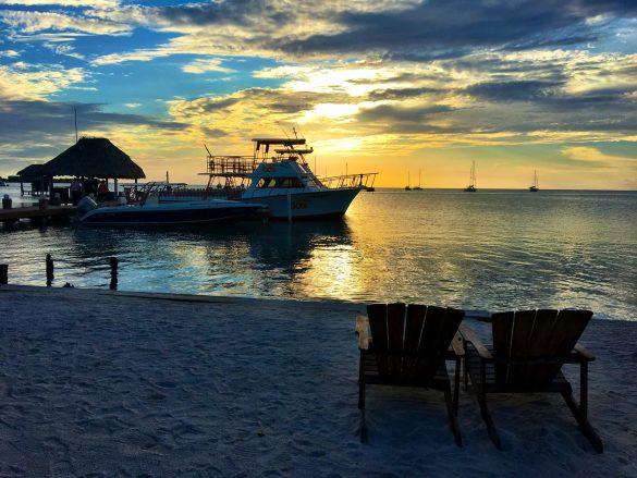 Sonnenuntergang an der Iguana Beach Bar auf Caye Caulker